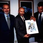 Giovanni Caprara, Franco Malerba, Paolo Castiglioni selezionano l'opera su tela di R. Losapio per l'illustrazione del manifesto ufficiale del 18° Annual Planetary Congress Italy 2002 (20-26 Ottobre Genova)