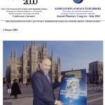 Franco Malerba, 1° astronauta italiano, in piazza Duomo a Milano presenta alla stampa il manifesto ufficiale