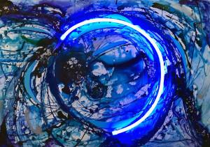 Titolo: Particelle di luce nello spazio-tempo Raffaella Losapio - Letter Misure: cm 100 x 70 h x 5 Tecnica mista su forex: acrilici, smalti, foglia argento, neon Anno: 2018